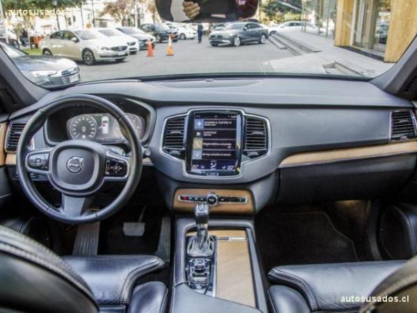 Volvo XC 90 D5 AWD MOMENTUM año 2017