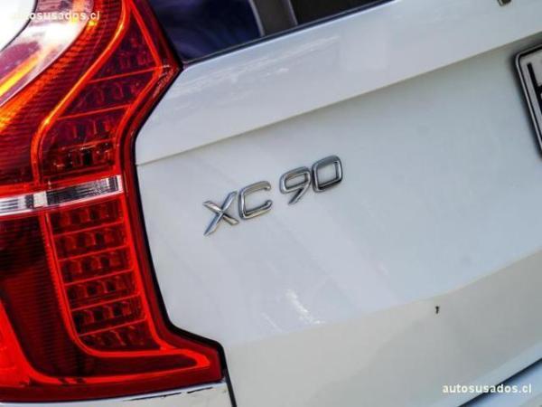 Volvo XC 90 II T5 KINETIC año 2018