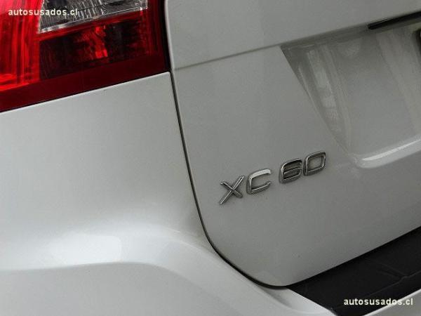 Volvo XC60 D5 COMFORT año 2011