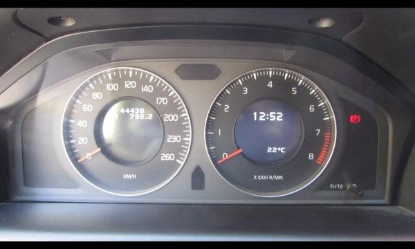 Volvo XC60 T5 2.0 año 2012