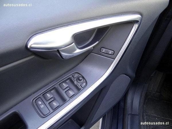 Volvo XC60 D5 R-DESIGN AWD año 2013