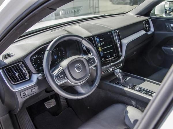 Volvo XC60 D5 MOMENTUM AWD año 2018