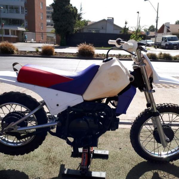Yamaha PW 80 $ 590.000 año 2000